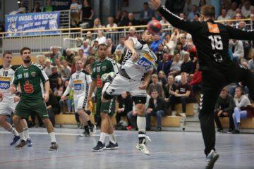 Dawid Nowomiejski im Spiel gegen die Füchse Berlin